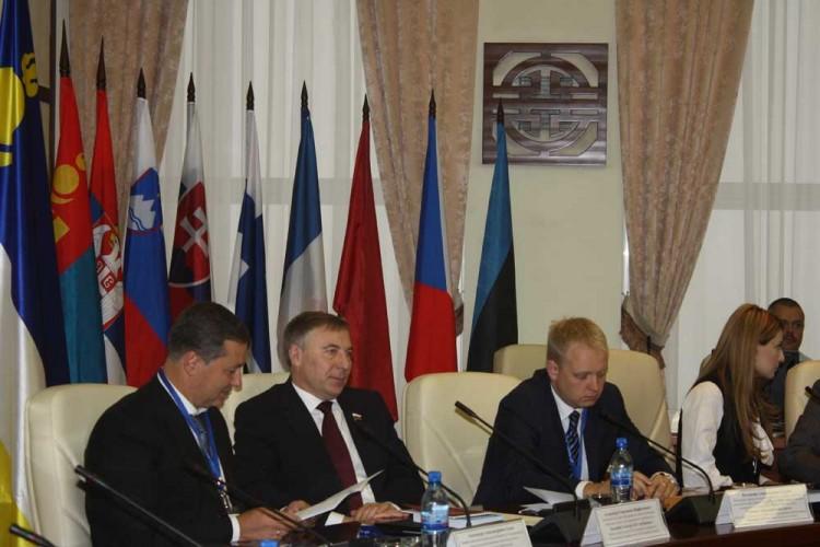 Слева направо: А. Агеев, А. Варфоломеев, В. Гуреев