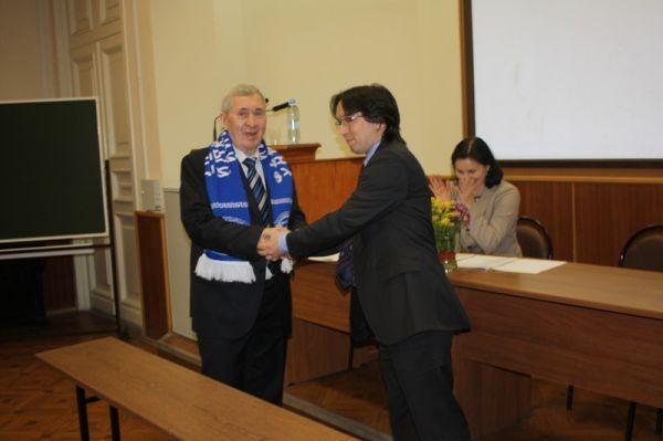Профессор Д.Х. Валеев