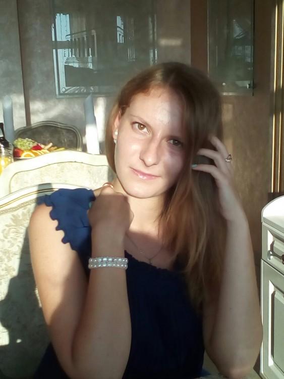Karina-Lazovskaya's photos