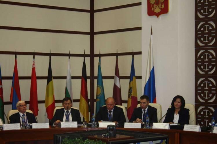 Слева направо - В. Чичканов, М. Шварц, Н. Мошкин, А. Токаев, О. Цойжилова