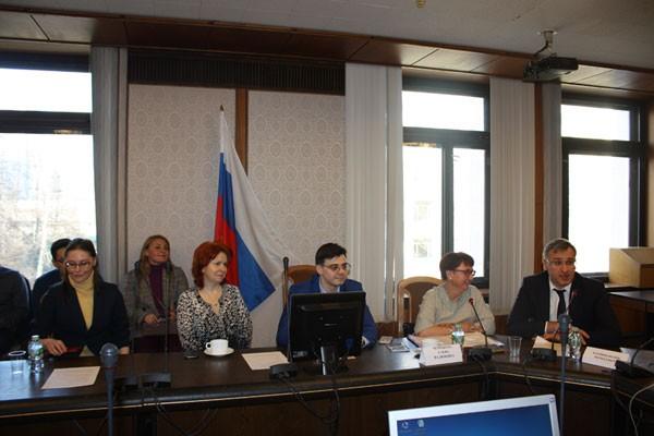 Участники круглого стола. Слева направо – Л.В. Семилетова, Т.А. Николаева, М.С. Прокошин, Е.В. Черникова, И.Н. Барциц.