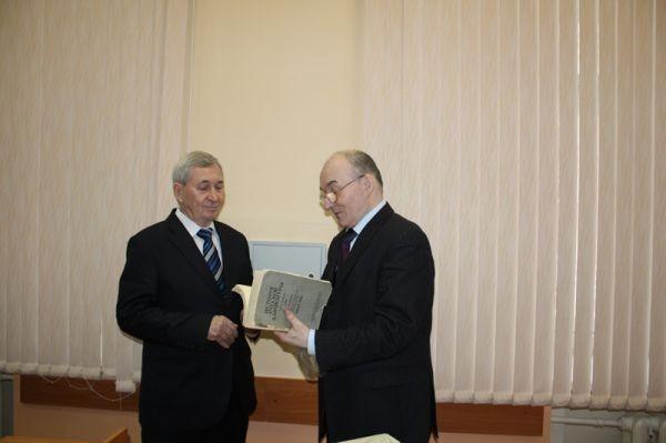 Профессор В.М. Жуйков